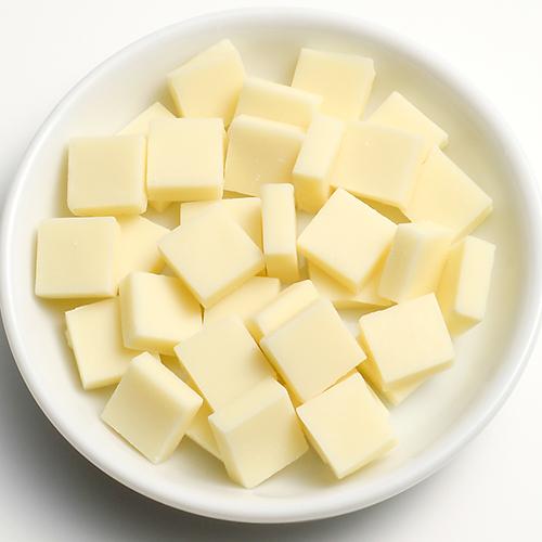 クーベルチュールチョコレートフレーク(ホワイト)