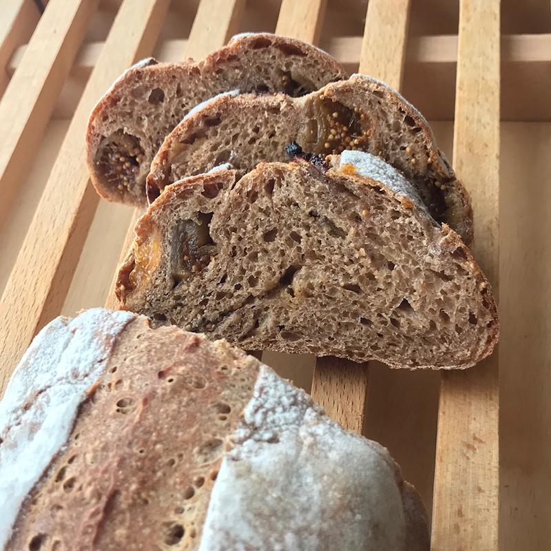 天然酵母☆こね2分 栗粉のいちじくパン
