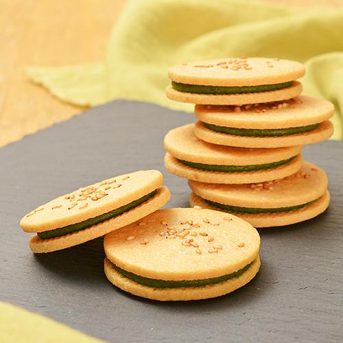 抹茶チョコあんのクッキーサンド