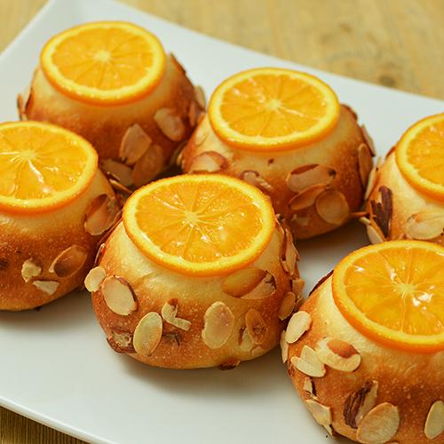 オレンジとクリームチーズのスイートブレッド