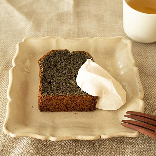米粉の黒ごまハチミツパウンドケーキ